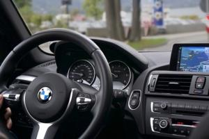 Navigationsgerät mit Radarwarner Auto
